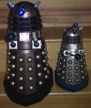 18 Inch Voice Interactive Dalek and 12 Inch RC Dalek Thay