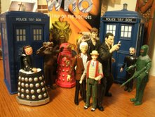 The Dapol and CO Tardis Talking Money Bank with Dapol Davros, Tetrap, Red Dalek, 3rd Doctor, 7th Doctor (light coat), The Master and Ice Warrior, and CO The Doctor Regeneration Set 9th and 10th Doctors